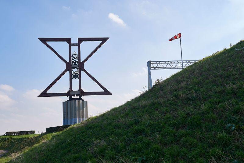 1ste poolse divisie - monument oude moerdijkbrug