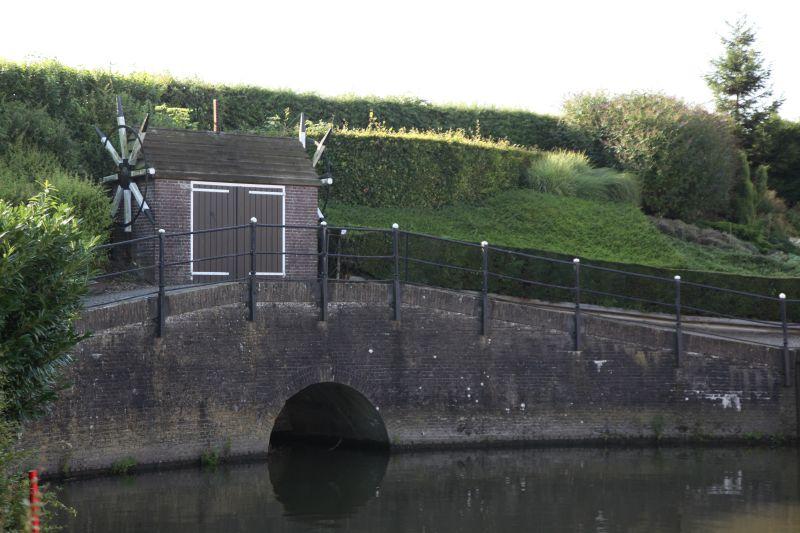 Spuisluis binnenhaven Willemstad