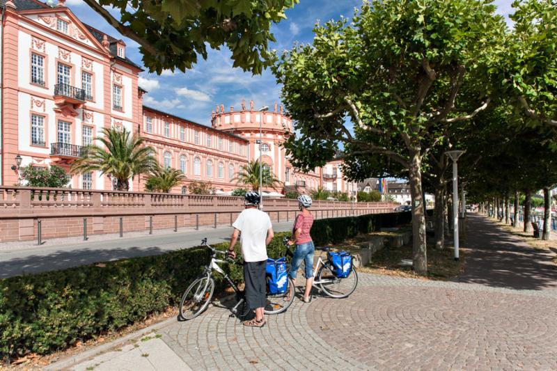 Het Biebricher Schloss in Wiesbaden
