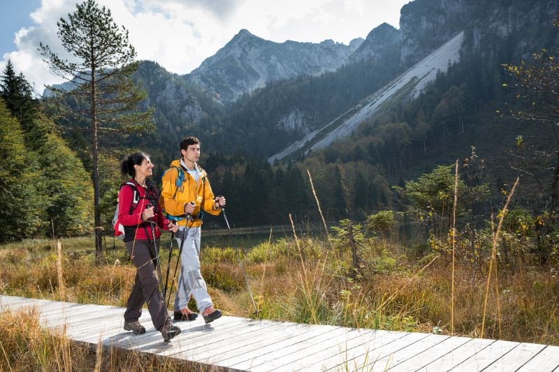 Inzell - Steineralm Wanderung-herbst frillensee leute wandern_ff