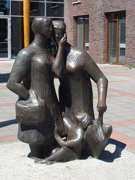 Maassluis kunstwerk 'pratende vrouwen'