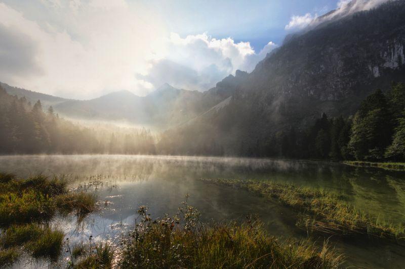 Inzell - Steineralm Wanderung-fruehling frillensee nebel morgen