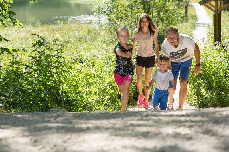 Inzell - Steineralm Wanderung-sommer familie frillensee bergwald erlebnis pfad_ff