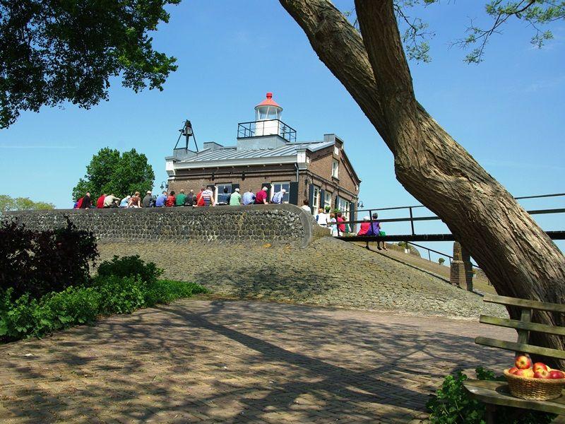 Oud Kraggenburg de bron