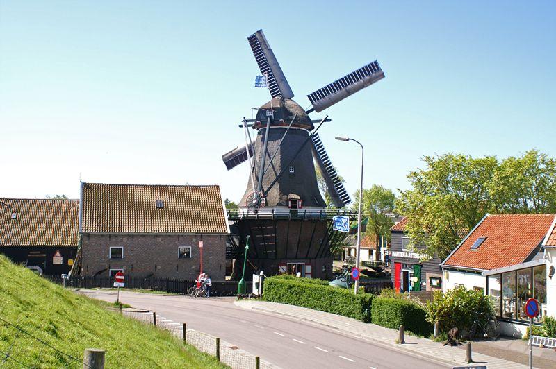 Molen de Traanroeier en Juttersmuseum Texel