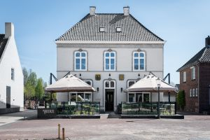 Boutique Hotel En Grand Café De Beerze