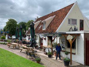 Thomas' Café