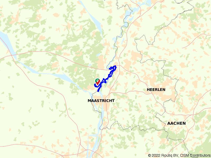 Kastelenroute in het grensgebied van de Maas